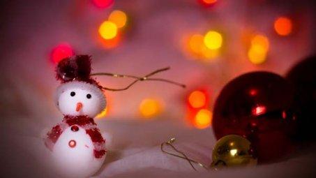可爱圣诞小摆件桌面壁纸下载