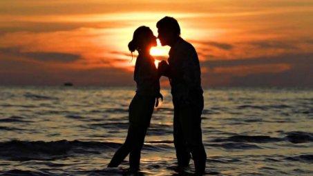 浪漫爱情摄影桌面壁纸下载